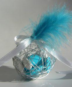 Boule a dragées métallique avec plume turquoise