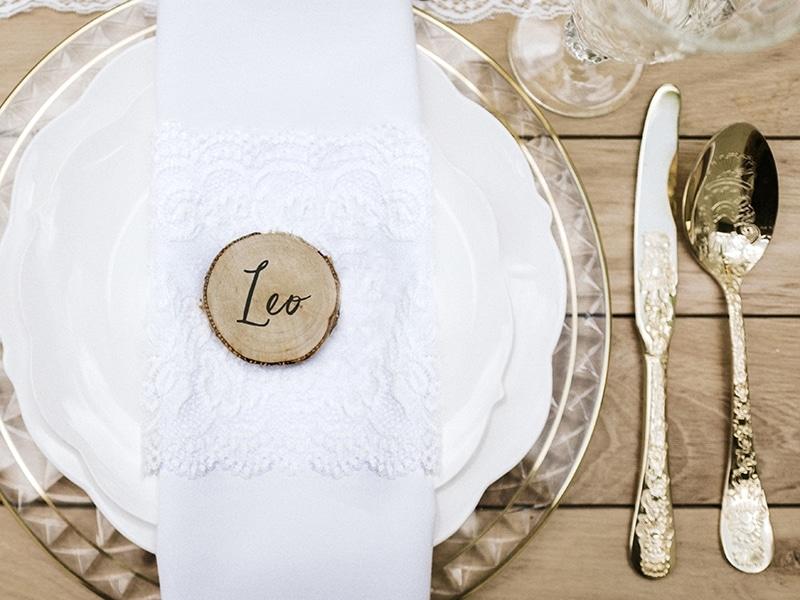 marque place mariage champ tre rondin de bois